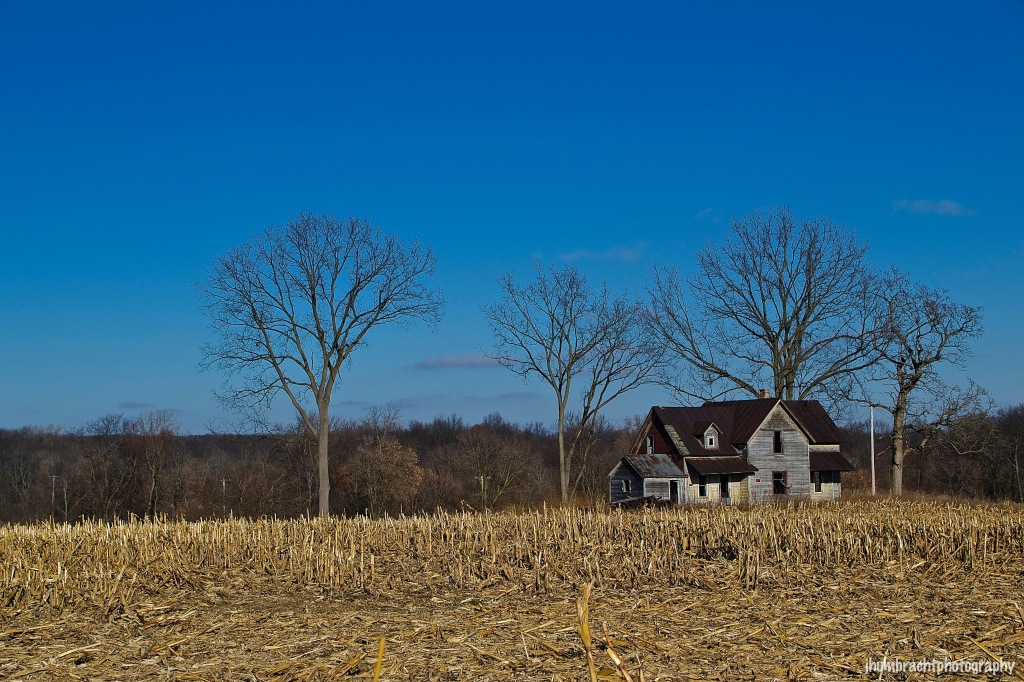 Farmhouse | Michigan Countryside | Image By Indiana Architectural Photographer Jason Humbracht