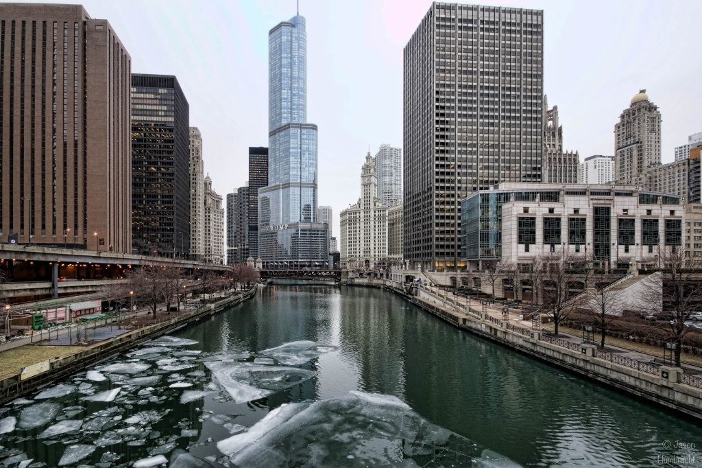 Chicago River | Trump Tower | Chicago Illinois | Indiana Architectural Photographer Jason Humbracht