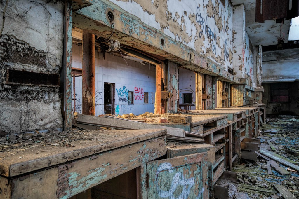 U.S. Post Office | Gary Indiana | Abandoned | Photo taken by Indianapolis-based Commercial Real Estate Photographer Jason Humbracht in 2016
