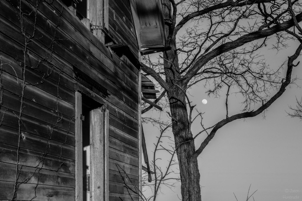 Abandoned Farmhouse | Moon | Photography | Image by Indiana Architectural Photographer Jason Humbracht in 2016